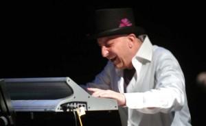 John Lamb -keyboards